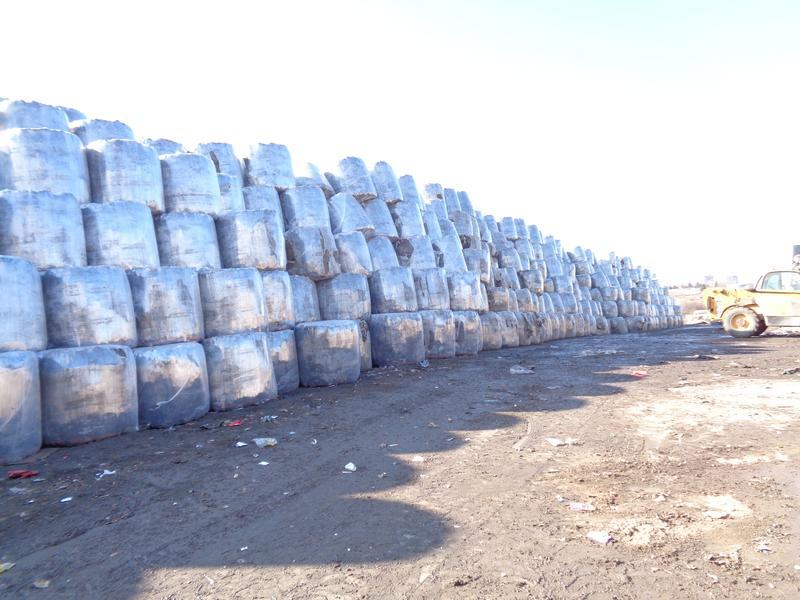 Разчистиха отпадъците от площадката в Попово - 01
