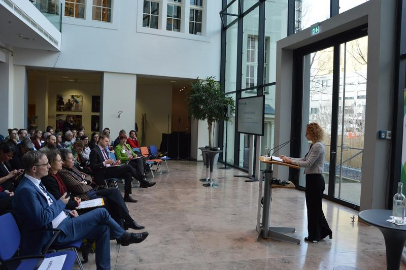 Зам.-министър Николова представи перспективите за европейско сътрудничество по климата в Берлин - 01