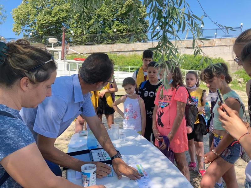Заместник-министър Петър Димитров връчи грамоти на деца по случай Деня на Дунав - 01