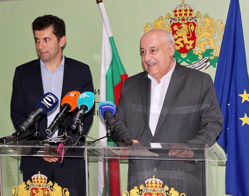 Министър Асен Личев: Няколко плажа по Черноморието остават защитени зони - 01