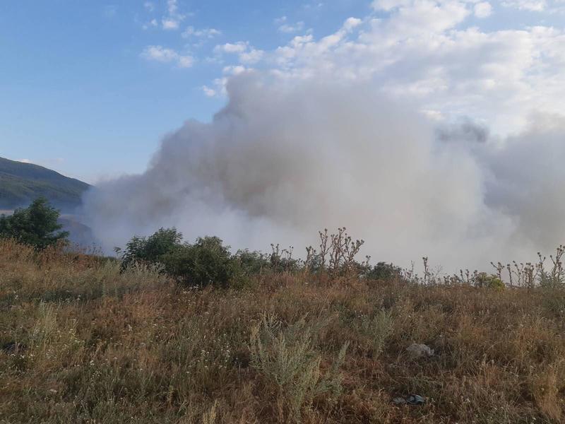 Самозапали се сметището в местността Злево край Дупница - 5
