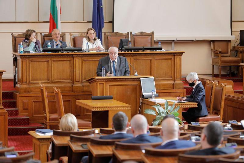Министър Асен Личев доведе до успех обещаното ограничаване вноса на отпадъци с код 19 12 12 - 01
