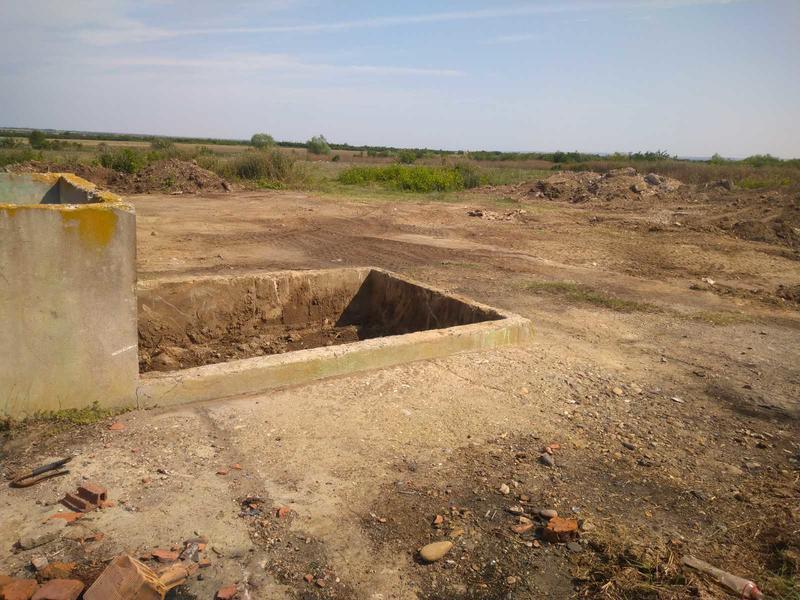 Снимка от работите по изваждане на пестицидите от обекта край град Койнаре - 4