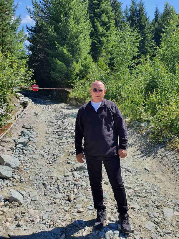 Министър Димитров призова местната власт да спре джиповете към Рилските езера - 01