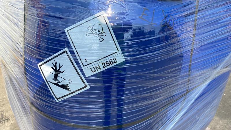 Започна извозването на старите пестициди за обезвреждане във Франция - 7