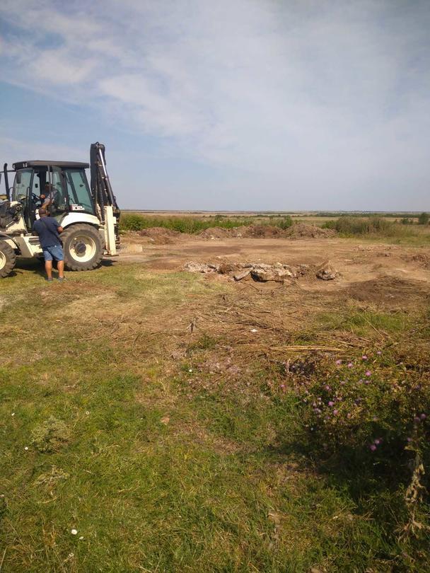 Снимка от работите по изваждане на пестицидите от обекта край град Койнаре - 3