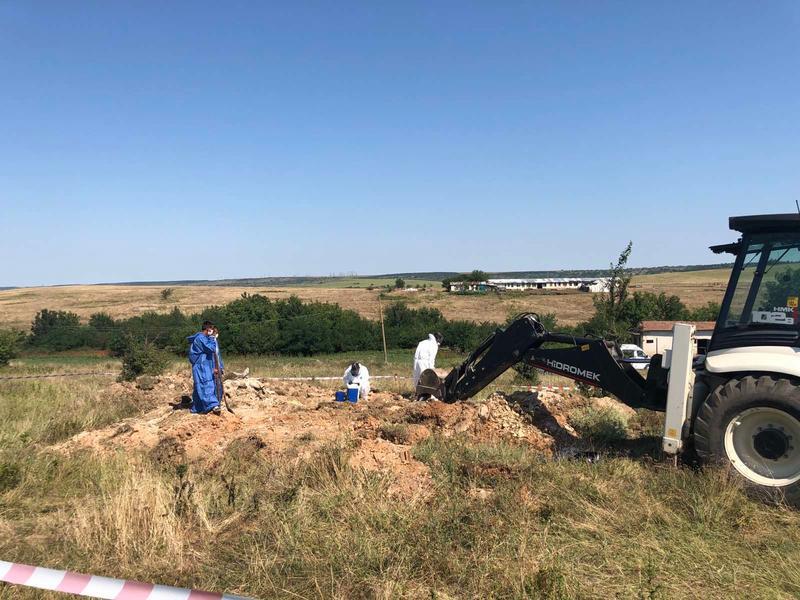 Министър Димитров: Обезвреждаме най-опасните обекти със загробени пестициди в страната - 13
