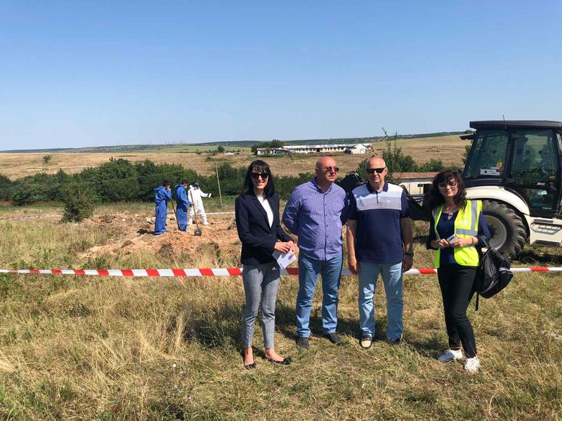 Министър Димитров: Обезвреждаме най-опасните обекти със загробени пестициди в страната - 3