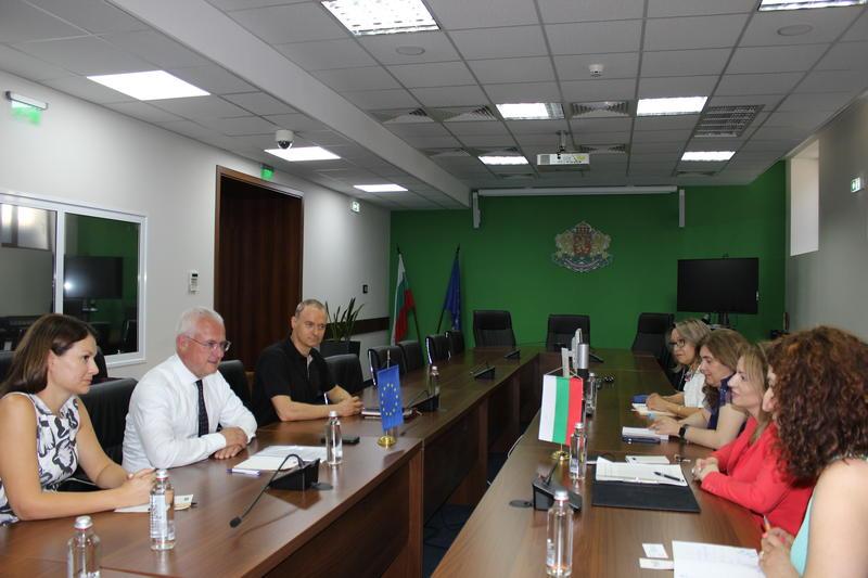 Зам.-министър Ренета Колева се срещна с президента на Европейската асоциация за управление на отпадъците - 01