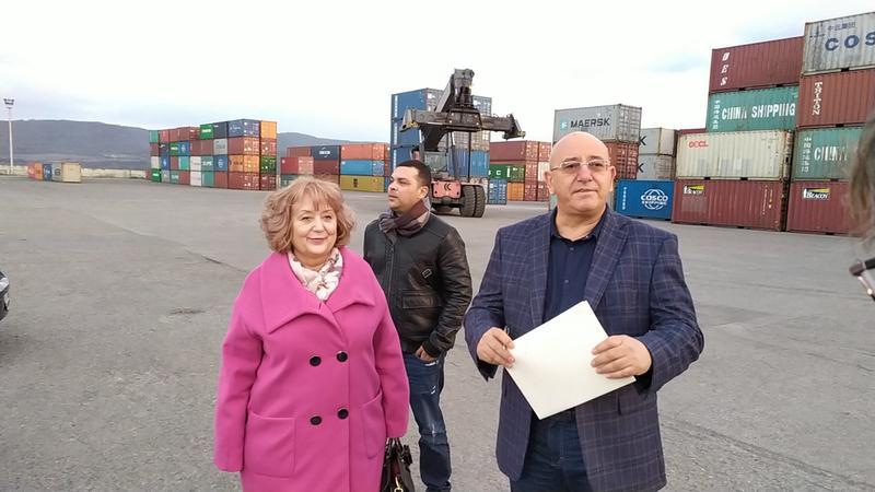 Министър Димитров провери връщането от Варна на 54 контейнера италиански отпадъци - 2