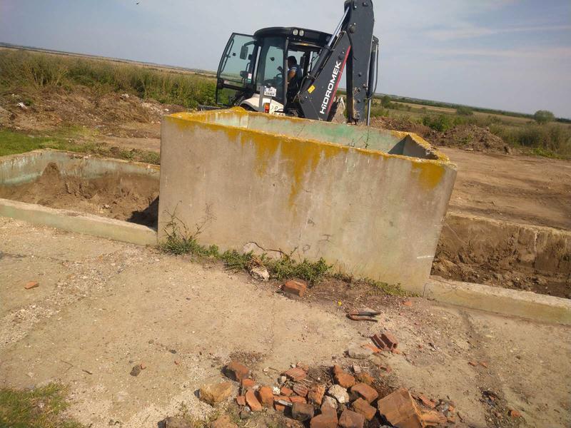 Снимка от работите по изваждане на пестицидите от обекта край град Койнаре - 5